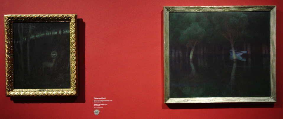 Franz von Stuck, Vision des hl. Hubertus, 180, Öl auf Leinwand, 62,5 x 53 cm (Museum Villa Stuck) und Carl Moll, Dämmerung, vor 1900 (Belvedere), Installationsfoto: Alexandra Matzner.