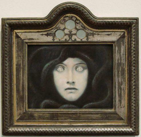 Franz von Stuck, Haupt der Medusa, um 1892, Pastell auf Papier, 26,5 x 32,5 cm (Privatsammlung), Foto: Alexandra Matzner.