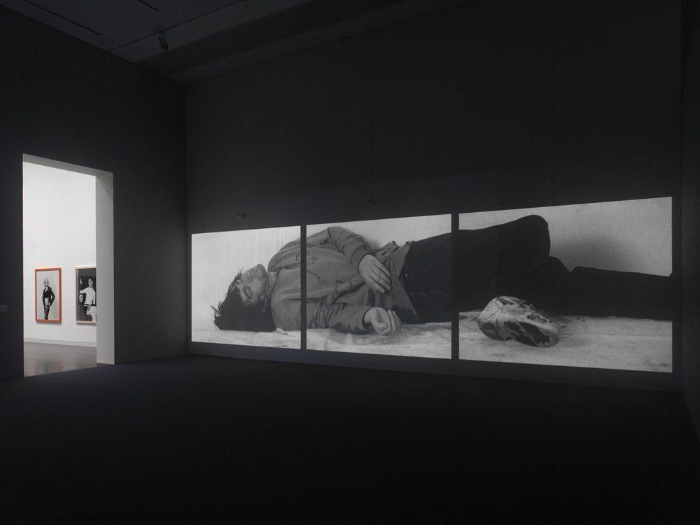 Gillian Wearing, Installationsfoto Düsseldorf K20, Foto: © Achim Kukulies.
