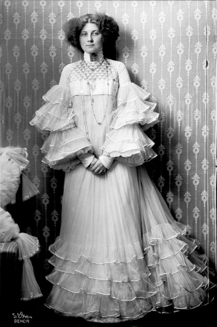 Emilie Flöge, fotografiert vom Atelier d'Ora-Benda, 1909 © ÖNB/Wien