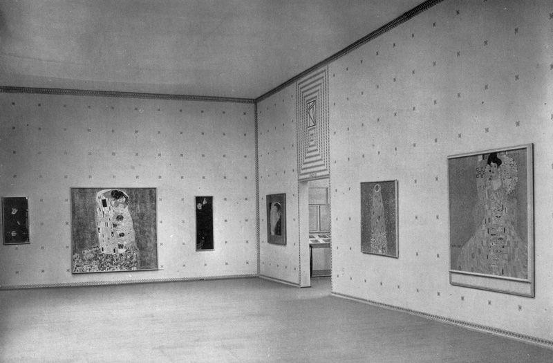 Koloman Moser, Ausstellungsraum der Gemälde von Gustav Klimt, in: Die Kunst, IX. Jg., München 1908, S.523.