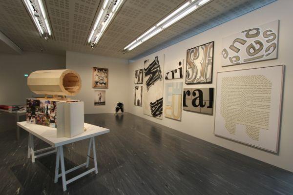Hans Weigand, Surfing, Ausstellungsansicht 21er Haus, 2015, (c) Weigand, Foto: Alexandra Matzner.
