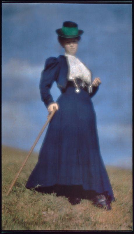 Heinrich Kühn, Miss Mary Warner, gouvernante des enfants du photographe, vers 1910, Épreuve photomécanique sur papier Japon, 40,5 x 53 cm, Paris, Musée d'Orsay © Droits Réservés © Musée d'Orsay, Dist. RMN / Patrice Schmidt.