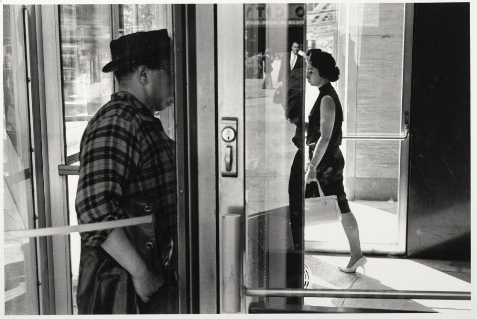 Lee Friedlander, New York City, 1963 (später Abzug 1980—2000), Silbergelatineabzug, 27,9 x 35,4 cm, Albertina, Wien © William Christenberry; Foto: Albertina, Wien.