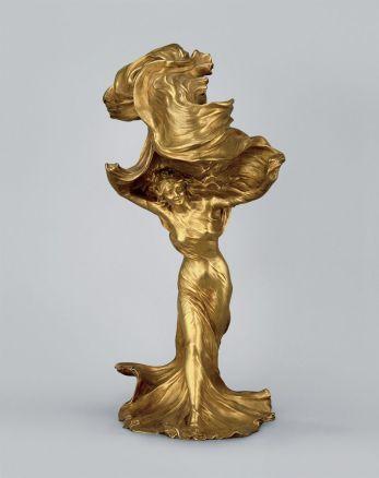 "Raoul Larche (1860 – 1912), Lampe ""Loïe Fuller"" um 1901, Ausführung Gießerei Siot-Décauville, Paris, Vergoldete Bronze."
