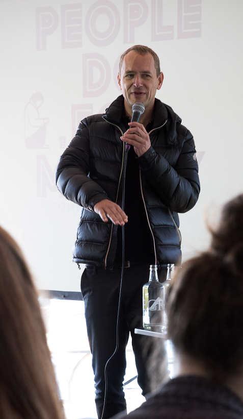Christian Jankowski, Kurator Manifesta 11 anlässlich der Pressekonferenz am 29.9.2015 im Seebad Enge, Zürich Foto (c) Baumgartner