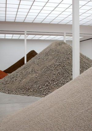 Lara Almarcegui, Installationsansicht: Bauschutt Hauptraum Secession, 2010, Secession 2010, Foto: Wolfgang Thaler.