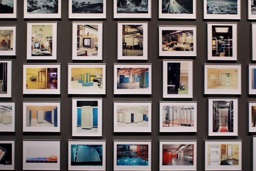 """Lewis Baltz, 89/91 Sites of Technology, 1989-1991, Ausschnitt aus der Installation in der Albertina """"Lewis Baltz"""" 2013, Foto: Alexandra Matzner."""