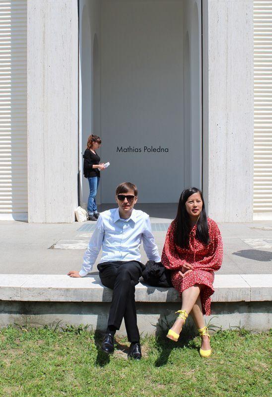 Mathias Poledna vor dem Österreichischen Pavilion, 55th International Art Exhibition, La Biennale di Venezia, 2013, Foto: Alexandra Matzner.
