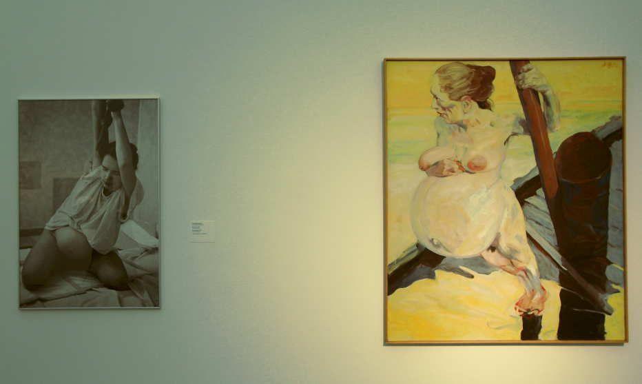 """Installationsansicht """"Rabenmütter"""", LENTOS 2014/15: Nurith Wagner-Strauss, Atempause, 1994, Schwarz-Weiß-Fotografe, 120 x 80 cm (Leihgabe der Künstlerin), Foto: Alexandra Matzner."""
