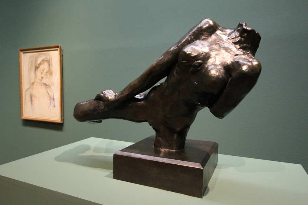 Auguste Rodin, Fliegende Figur, um 1890/91 (Museum der Moderne Salzburg – Dauerleihgabe der Kasser Foundation), Ausstellungsansicht Leopold Museum 2016, Foto: Alexandra Matzner