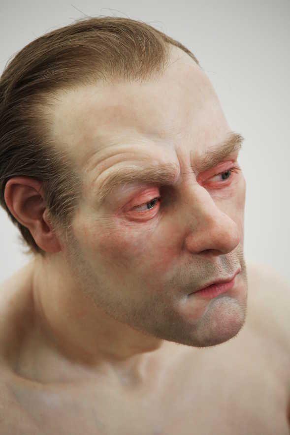 Ron Mueck, Man in a Boat, Kopf (2000-2002), Ausstellungsansicht Theseustempel, Wien 2016, Installationsfoto: Alexandra Matzner.