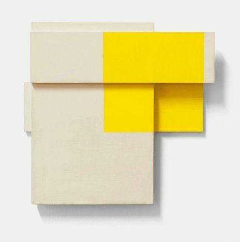 Roswitha Ennemoser, white/yellow box I, 1996, Ölgrundierung auf Holz, 24 x 26 x 4 cm, Foto: Michael Wohlschlager © MUSA.
