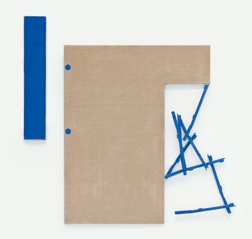 Roswitha Ennemoser, O.T., 1992, Leim/Ölgrundierung, Leinwand, Holz, 3-teilig, 110 x 20 cm, 160 x 130 cm, 118 x 55 cm, Foto: Michael Wohlschlager © MUSA.