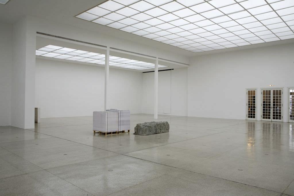 Nicole Six & Paul Petritsch, Atlas, Installationsansicht, Secession 2010, Foto: Wolfgang Thaler.