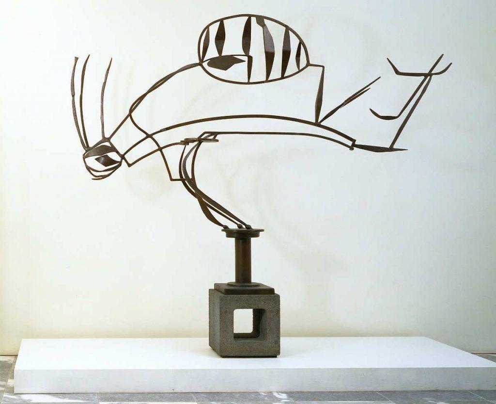 David Smith, Australia, 1951, Bemalter Stahl auf Schlackensockel, 202 x 274 x 41 cm, Sockel: 44.5 x 42.5 x 38.7 cm, The Museum of Modern Art, New York. Geschenk von William Rubin © 2016. The Museum of Modern Art, New York / Scala, Florence.