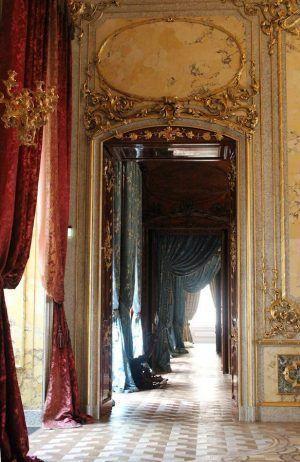 Blick vom Speisezimmer in die Enfilade im Stadtpalais des Fürsten von und zu Liechtenstein, Wien 1010, Foto: Alexandra Matzner.