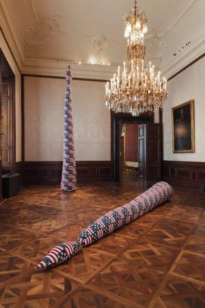 Sterling Ruby, CANDLE (6127), 2015 & CANDLE (5650), 2015, Installationsansicht Winterpalais 2016 © Belvedere, Wien.