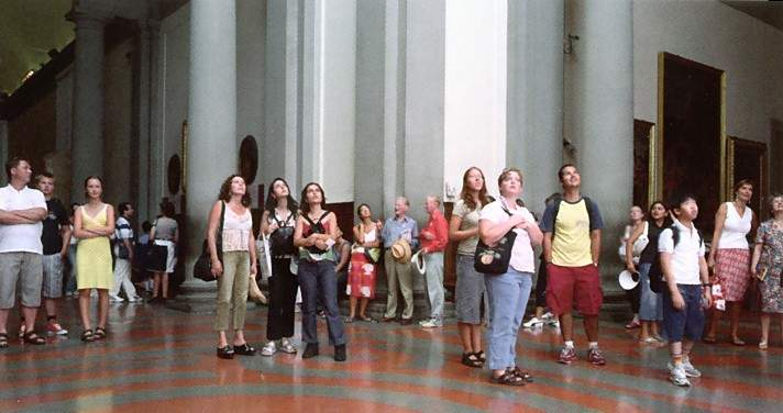 Thomas Struth, Audience 4, 2004, C-Print, Edition 6 von 10, 178 x 335,8 cm © Thomas Struth