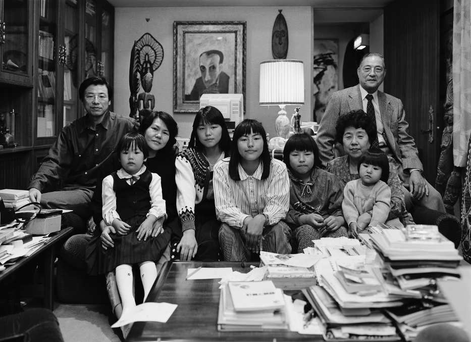 Thomas Struth, The Hirose Family, Hiroshima, 1987, Silbergelatine-Abzug, 74 x 92 cm, Atelier Thomas Struth © Thomas Struth