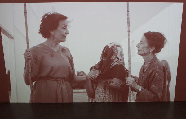 Ulla von Brandenburg, Die Stimme, Filmstill, 2013, Installationsansicht.