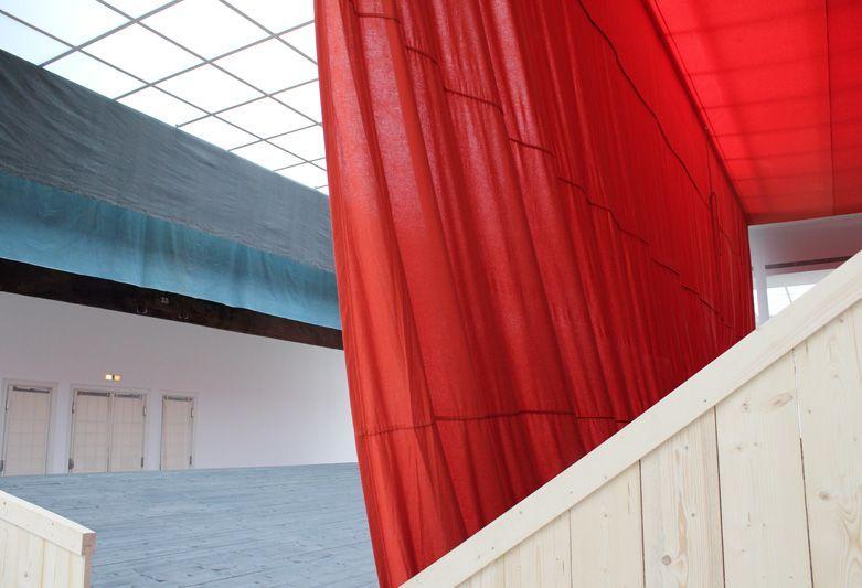 Ulla von Brandenburg, Innen ist nicht Außen, Installationsansicht Wiener Secession 2013, Foto: Alexandra Matzner.