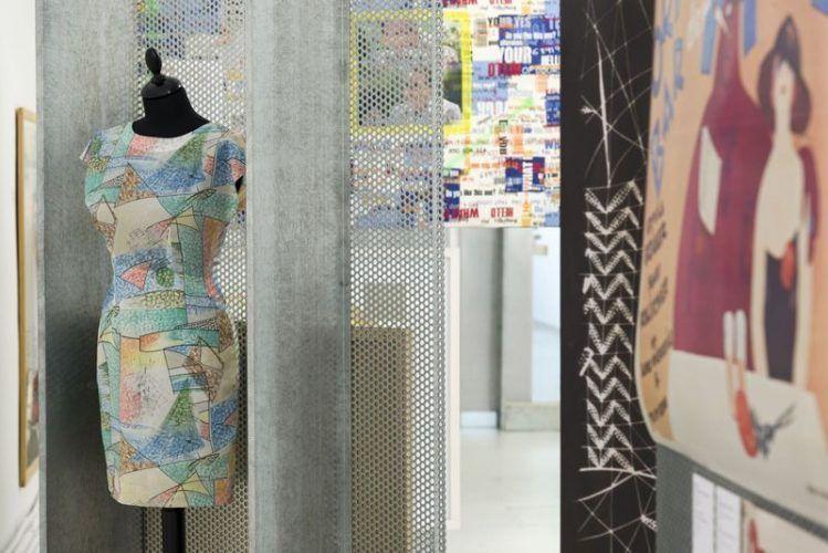 Verena Dengler, Anna O. lernt denglisch in den Energieferien, MAK-Ausstellungsansicht: SICHTWECHSEL #4, 2013, MAK-Galerie © MAK/Katrin Wißkirchen