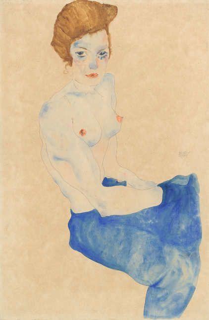 Egon Schiele, Sitzendes Mädchen, der Oberkörper nackt, hellblauer Rock, 1911 © Sammlung Gemeentemuseum Den Haag, Foto: Sammlung Gemeentemuseum Den Haag