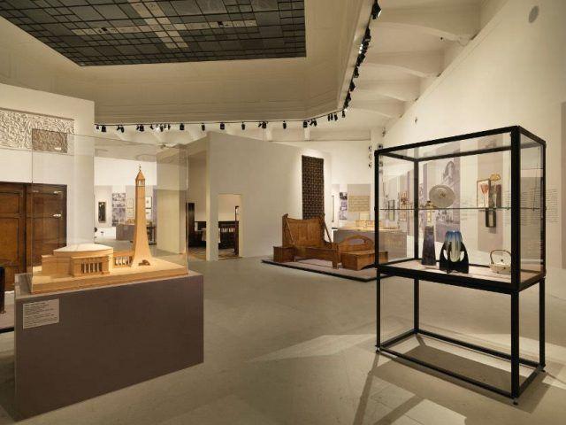 MAK-Ausstellungsansicht, 2014, WEGE DER MODERNE. Josef Hoffmann, Adolf Loos und die Folgen, MAK-Ausstellungshalle © Peter Kainz/MAK