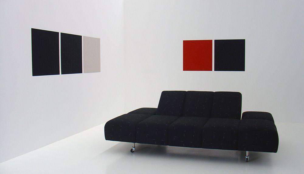Florian Pumhösl, Wiener Musterzimmer, 2009, Ausstellungsansicht, Foto: Alexandra Matzner.