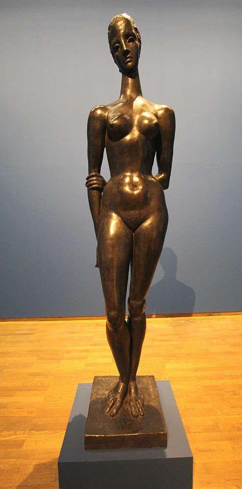 Wilhelm Lehmbruck, Große Sinnende, 1913 (Nachlass W. Lehmbruck), Ausstellungsansicht Leopold Museum 2016, Foto: Alexandra Matzner