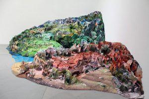"""Installationsansicht """"distURBANces"""", MUSA 2012 mit Justine Blau, Somewhere else I, 2008, 120 x 280 x 350 cm, Leihgabe der Künstlerin, Foto: Alexandra Matzner"""