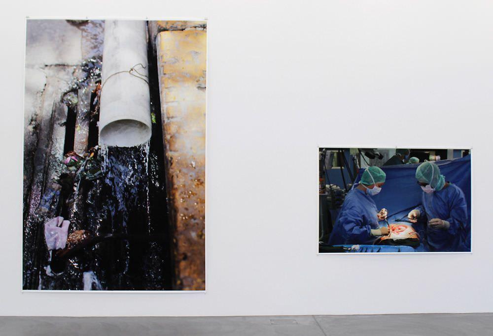 """Installationsansicht Kunsthalle Zürich 2012, Wolfgang Tillmans """"Neue Welt"""", Foto: Alexandra Matzner"""