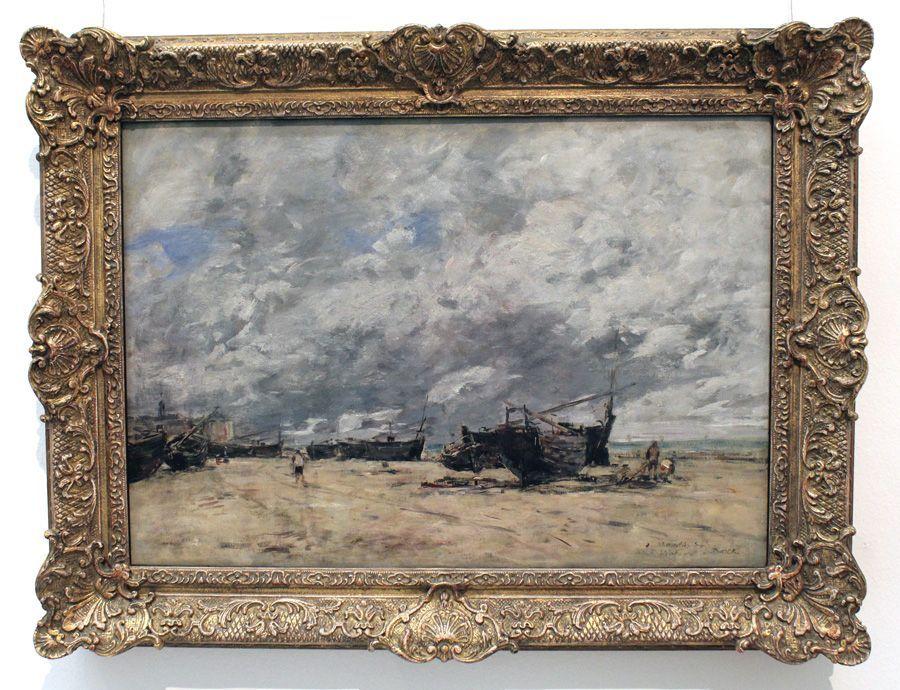 """Eugène Louis Boudin, Fischerboote am Strand, 1865 (Privatbesitz), Installationsansicht """"Wolken"""" im Leopold Museum, Foto: Alexandra Matzner."""