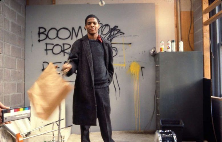 Edo Bertoglio, Jean-Michel Basquiat am Set von Downtown 81, 1980/81, © New York Beat Film LLC, By permission of The Estate of Jean-Michel Basquiat, Licensed by Artestar, New York, Photo: Edo Bertogli