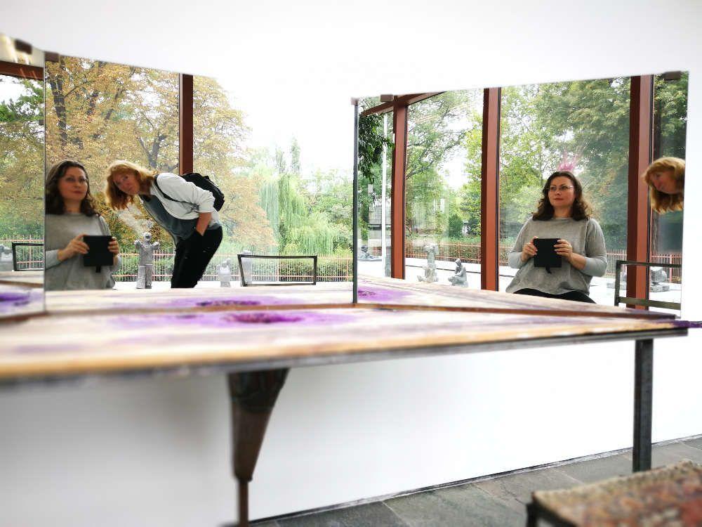 Franz West, Psyche, 1987, Eisen, Holz, Acryl, Spiegel, Ausstellungsansicht 21er Haus, Wien, Foto: Alexandra Matzner, ARTinWORDS: