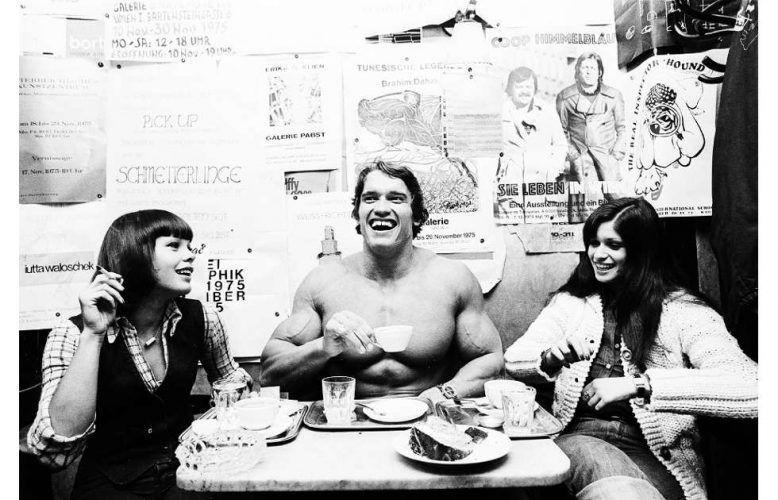 Michael Horowitz, Arnold Schwarzenegger, 1975, Hahnemühle Fine Art Baryta Print (© Michael Horowitz)