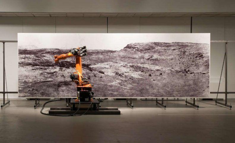 Robotlab (Matthias Gommel, Martina Richter, Jan Zappe), The Big Picture, 2014, Installation mit Industrieroboter, Foto © Robotlab