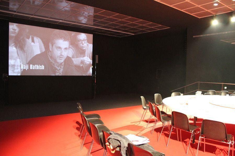 """Yael Bartana, """"Wenn ihr wollt, ist es kein Traum"""" (Diskussion), Ausstellungsansicht aus der Wiener Secession (7.12.2012-10.2.2013), Foto: Alexandra Matzner."""