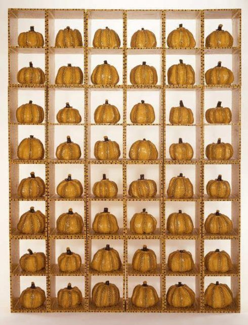 Yayoi Kusama, Pumpkin, 1982, Installation, 24 Kästen jede 54,5 x 27,6 x 25,3 cm, Kitakyushu Municipal Museum of Art.